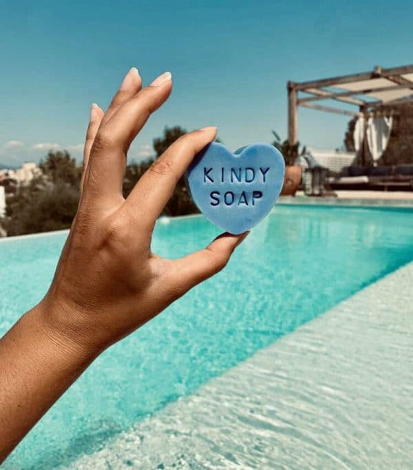 kindly soap, savon bio une surprise à l'intèrieur